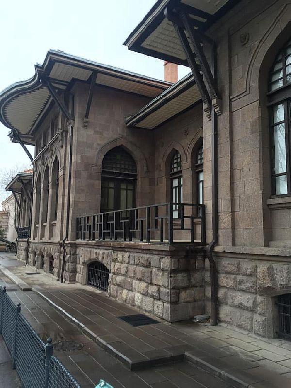 Первое здание думы Анкара