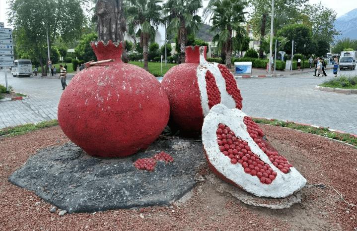 Символ города Кемер гранат