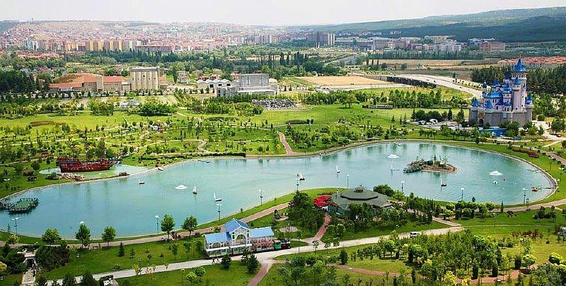 Парк Сазова в Эскишехире