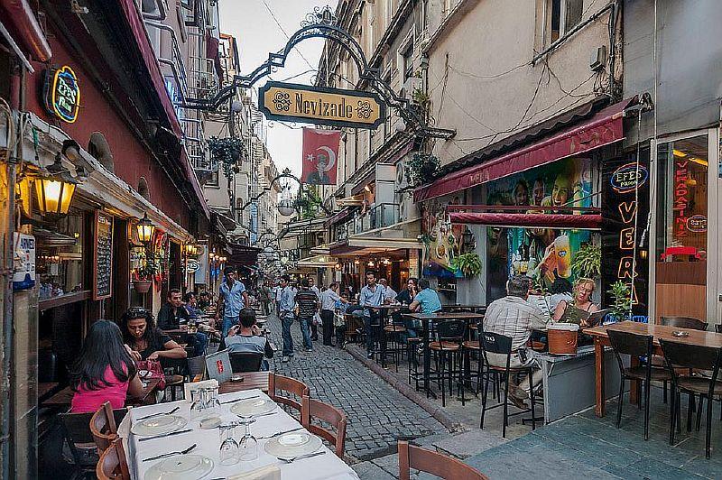 Улица Нивизаде в Стамбуле