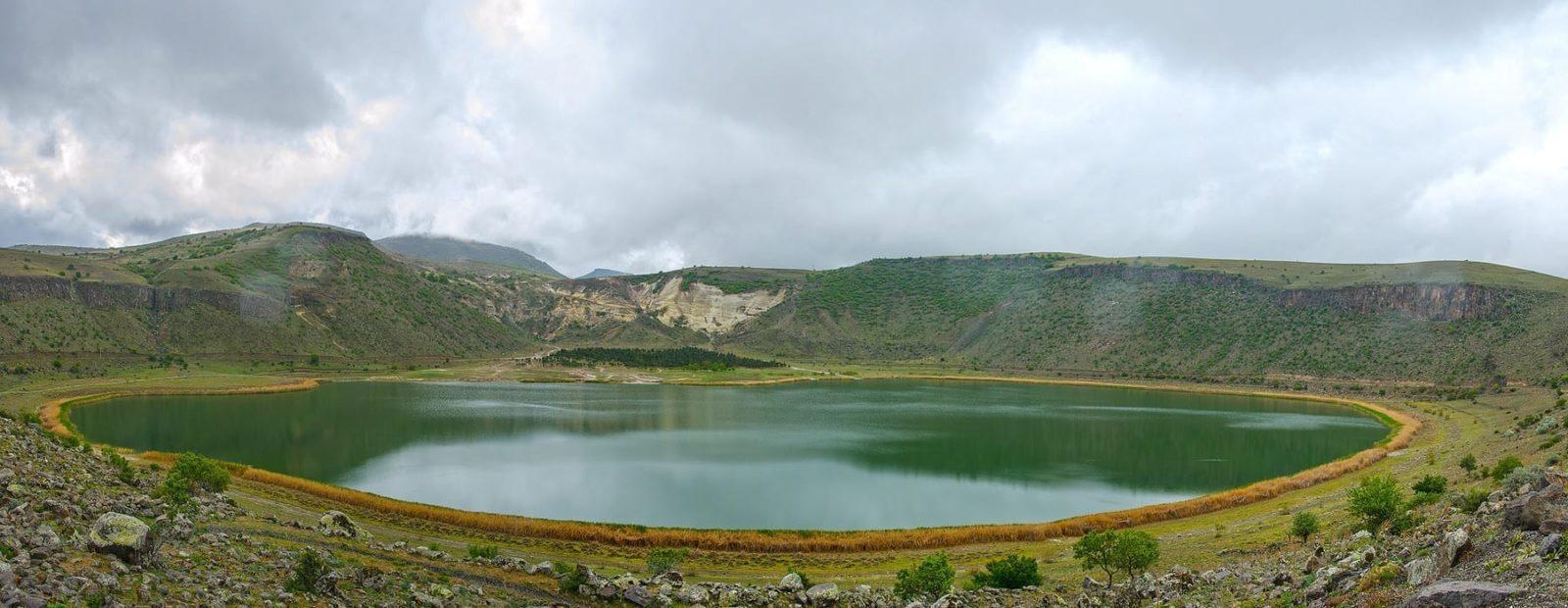 Кратерное озеро Нар Каппадокия