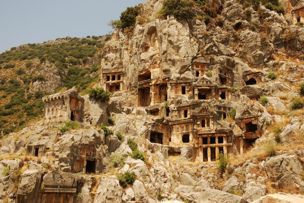 Ликийские скальные гробницы