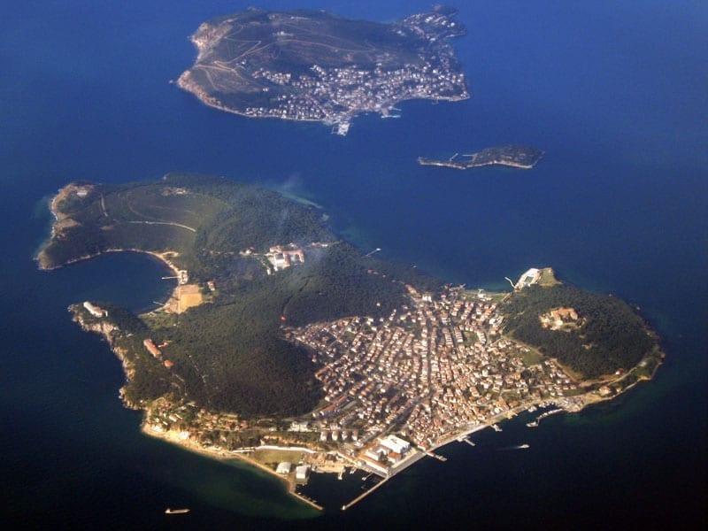 Адалары или Принцевы острова