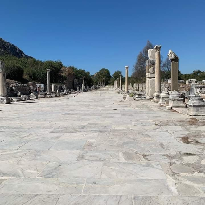 Колонны Эфес