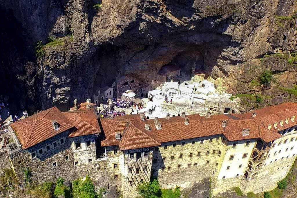 Монастырь Панагия Сюмели